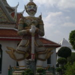 Gardien du Wat Arun, Bangkok, Thaïlande