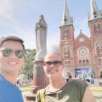 Cathédrale de Saigon avec Manh, HCMC, Vietnam