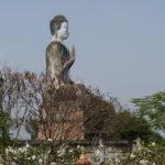 Bouddha à côté du Wat Phnom Ek, Battambang, Cambodge