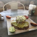Repas au Vibe café, Phnom Penh, Cambodge