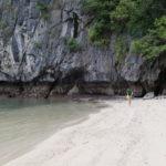 Plage déserte, Baie de Lan Ha, Vietnam