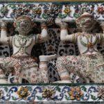 Détails des piliers du Wat Arun, Bangkok, Thaïlande